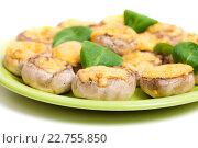 Купить «Тарелка запеченных шампиньонов с сыром», фото № 22755850, снято 3 мая 2016 г. (c) Юлия Кузнецова / Фотобанк Лори