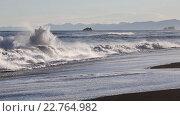 Купить «Вечерний вид на Тихоокеанское побережье полуострова Камчатка», видеоролик № 22764982, снято 19 ноября 2017 г. (c) А. А. Пирагис / Фотобанк Лори