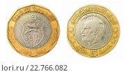 Купить «Монета пять динаров. Тунис», фото № 22766082, снято 28 апреля 2016 г. (c) Евгений Ткачёв / Фотобанк Лори