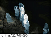 Купить «Ледяные сталагмиты в пещере. Пашийская пещера. Средний Урал.», фото № 22766090, снято 31 января 2015 г. (c) Евгений Ткачёв / Фотобанк Лори