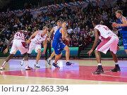 Купить «Баскетбол, Martynas Mazeika с мячом», фото № 22863394, снято 9 ноября 2013 г. (c) Pavel Shchegolev / Фотобанк Лори