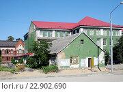 Купить «Старинный дом в городе Калининград (Кенигсберг). Виды города», эксклюзивное фото № 22902690, снято 4 июля 2015 г. (c) stargal / Фотобанк Лори