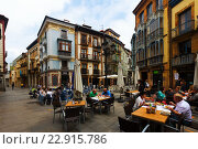 Купить «edestrian street at historic part of Oviedo», фото № 22915786, снято 2 июля 2015 г. (c) Яков Филимонов / Фотобанк Лори