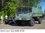 Купить «Военный финский грузовик  Sisu A45 принимает участие в параде олдтаймеров. Керимяки, Финляндия», фото № 22949414, снято 6 июня 2015 г. (c) Виктор Карасев / Фотобанк Лори
