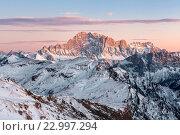 Europe, Italy, Veneto, Belluno. The mount Civetta in a winter sunset, Dolomites. Стоковое фото, фотограф Clickalps SRLs / age Fotostock / Фотобанк Лори