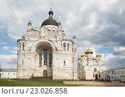 Купить «Казанский женский монастырь, Вышний Волочек», фото № 23026858, снято 2 мая 2016 г. (c) Юлия Бабкина / Фотобанк Лори