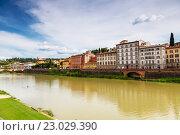 Купить «Река Арно во Флоренции, Тоскана, Италия», фото № 23029390, снято 8 мая 2014 г. (c) Наталья Волкова / Фотобанк Лори