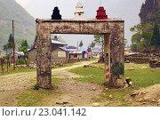 Ворота в деревне Таль возле Аннапурны. Стоковое фото, фотограф Иван Прокопович / Фотобанк Лори