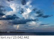 Купить «Драматическое небо в Ларнаке, Кипр», фото № 23042442, снято 28 мая 2016 г. (c) Морозова Татьяна / Фотобанк Лори