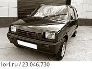 Купить «Российский автомобиль малого класса», фото № 23046730, снято 2 июня 2016 г. (c) Chere / Фотобанк Лори