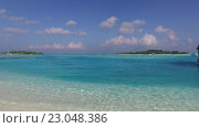 Купить «blue sea lagoon on maldives beach», видеоролик № 23048386, снято 12 февраля 2016 г. (c) Syda Productions / Фотобанк Лори