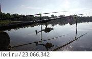 Купить «Рыбалка на рассвете в парке», видеоролик № 23066342, снято 10 июня 2016 г. (c) Денис Зарубин / Фотобанк Лори