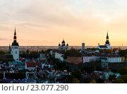 Купить «Трех христианские церкви в Таллине», фото № 23077290, снято 16 октября 2012 г. (c) Стивен Жингель / Фотобанк Лори