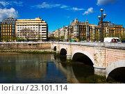Купить «Santa Catalina bridge over Urumea river in Sant Sebastian», фото № 23101114, снято 21 апреля 2016 г. (c) Яков Филимонов / Фотобанк Лори