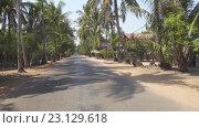 Купить «Дорога между деревнями в Камбодже», видеоролик № 23129618, снято 3 февраля 2016 г. (c) Михаил Коханчиков / Фотобанк Лори