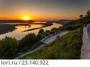 Купить «Волга на закате с вертолетки», фото № 23140922, снято 26 мая 2016 г. (c) Акиньшин Владимир / Фотобанк Лори