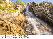 Купить «Водопад Ширлак («Девичьи слезы»). Алтай», фото № 23153602, снято 9 июня 2016 г. (c) Алексей Ширманов / Фотобанк Лори