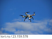 Квадракоптер  в небе. Стоковое фото, фотограф Инесса Гаварс / Фотобанк Лори