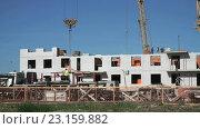 Купить «Строительство жилого дома», видеоролик № 23159882, снято 26 июня 2016 г. (c) worker / Фотобанк Лори