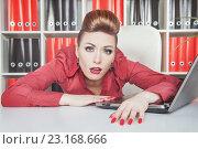 Купить «Уставшая женщина на работе», фото № 23168666, снято 26 января 2014 г. (c) Darkbird77 / Фотобанк Лори