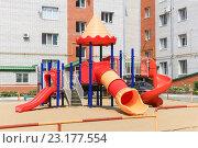 Детская площадка (2016 год). Редакционное фото, фотограф Кузнецов Николай / Фотобанк Лори