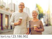 senior couple on city street. Стоковое фото, фотограф Syda Productions / Фотобанк Лори