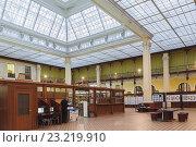 Купить «Интерьер центрального почтамта (Главпочтамт) в Санкт-Петербурге», фото № 23219910, снято 20 октября 2015 г. (c) Anna P. / Фотобанк Лори