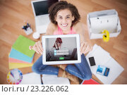 Купить «Composite image of login screen with redheaded woman and laptop», фото № 23226062, снято 17 января 2019 г. (c) Wavebreak Media / Фотобанк Лори