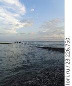 Купить «Летний вечер на Черном море, рыбак на пирсе, закатные облака», фото № 23226750, снято 30 июня 2016 г. (c) DiS / Фотобанк Лори