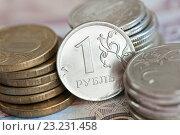 Купить «Монеты на фоне 500 рублевой купюры», фото № 23231458, снято 9 июля 2016 г. (c) Екатерина Овсянникова / Фотобанк Лори