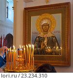 Купить «Икона святой  блаженной Матроны московской в храме Преображения Господня. Москва.», фото № 23234310, снято 30 апреля 2016 г. (c) Татьяна Белова / Фотобанк Лори