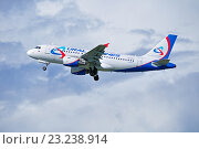 Купить «Самолет Уральских авиалиний Airbus A319 в воздухе», фото № 23238914, снято 11 мая 2016 г. (c) Зезелина Марина / Фотобанк Лори