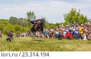 Купить «Девочка казачка скачет на лошади», фото № 23314194, снято 18 июня 2016 г. (c) Акиньшин Владимир / Фотобанк Лори