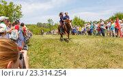 Купить «Девочка казачка скачет на лошади», фото № 23314254, снято 18 июня 2016 г. (c) Акиньшин Владимир / Фотобанк Лори