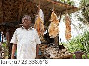 Купить «Dried fish stall, Ambalangoda, Sri Lanka», фото № 23338618, снято 21 июля 2019 г. (c) age Fotostock / Фотобанк Лори