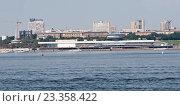 Купить «Волгоградский речной порт», фото № 23358422, снято 30 июля 2016 г. (c) Владимир Гуторов / Фотобанк Лори