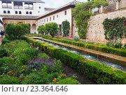 Court of the Water Channel (Patio de la Acequia ) at Generalife. Granada (2016 год). Редакционное фото, фотограф Яков Филимонов / Фотобанк Лори
