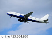 Купить «Самолет на фоне голубого неба», фото № 23364930, снято 11 мая 2016 г. (c) Зезелина Марина / Фотобанк Лори
