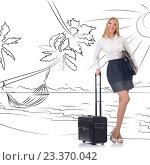 Купить «Businesswoman dreaming of beach vacation», фото № 23370042, снято 23 января 2020 г. (c) Elnur / Фотобанк Лори