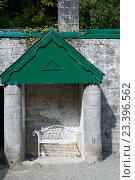 Скамейка в саду. Стоковое фото, фотограф Татьяна Кахилл / Фотобанк Лори