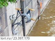 Купить «Памятник блокадной колюшке. Кронштадт», фото № 23397170, снято 13 августа 2016 г. (c) Сергей Афанасьев / Фотобанк Лори