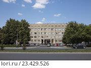 Купить «Владикавказ. Городская поликлиника №7», фото № 23429526, снято 9 августа 2016 г. (c) Андрей Багаев / Фотобанк Лори