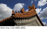 Традиционное украшение крыши буддийского храма, Пекин, Китай (2016 год). Стоковое видео, видеограф Владимир Журавлев / Фотобанк Лори