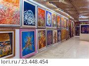 Джокьякарта, Индонезия. Батик, художественная галерея. Традиционные сувениры (2008 год). Редакционное фото, фотограф Ростислав Агеев / Фотобанк Лори