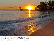 Купить «Байкал. Красивый летний закат на песчаном берегу», фото № 23450686, снято 27 августа 2016 г. (c) Виктория Катьянова / Фотобанк Лори