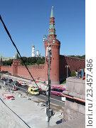 Сотовые антенны на фоне кремля (2016 год). Редакционное фото, фотограф Иван Носков / Фотобанк Лори