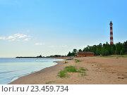 Купить «Осиновецкий маяк на берегу Ладожского озера», фото № 23459734, снято 14 июня 2016 г. (c) Максим Мицун / Фотобанк Лори