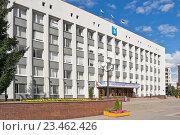 Купить «Здание городской администрации и Совет депутатов», фото № 23462426, снято 31 августа 2016 г. (c) Parmenov Pavel / Фотобанк Лори