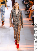 Купить «MILAN, ITALY - SEPTEMBER 26: A model walks the runway during the Roberto Cavalli fashion show as part of Milan Fashion Week Spring/Summer 2016 on September 26, 2015 in Milan, Italy.», фото № 23475190, снято 26 сентября 2015 г. (c) Anton Oparin / Фотобанк Лори