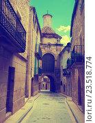 Street and Chapel of San Antonio de Padua. Calaceite (2016 год). Стоковое фото, фотограф Яков Филимонов / Фотобанк Лори